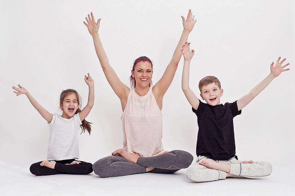 Светла Иванова с двете си деца