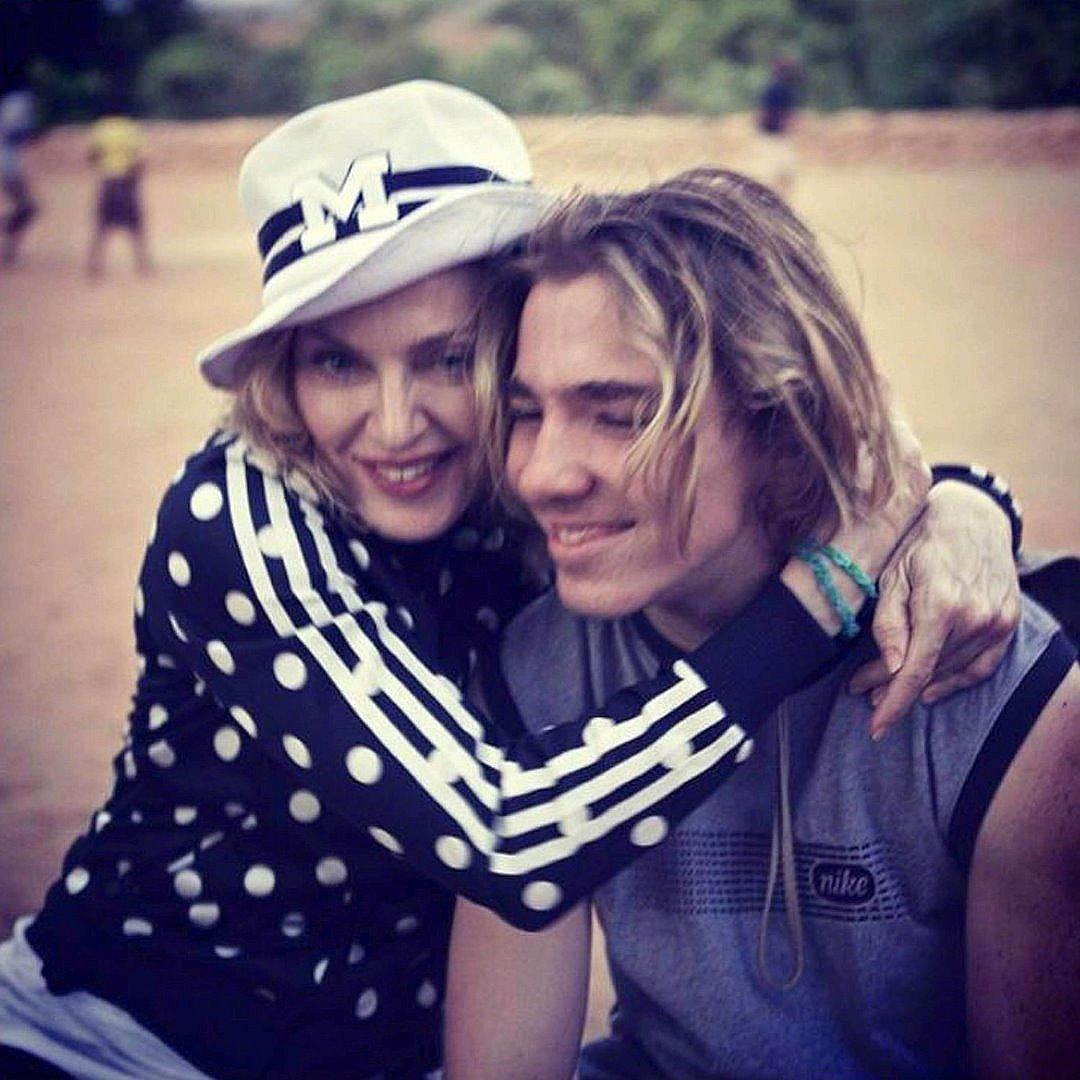 Мадона и Роко в добрите времена