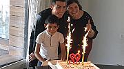 Кристиано Роналдо отпразнува рождения си ден с майка си и сина си