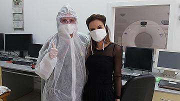 Дизайнерката Радослава Лазарова дари на болница в Смолян защитни маски