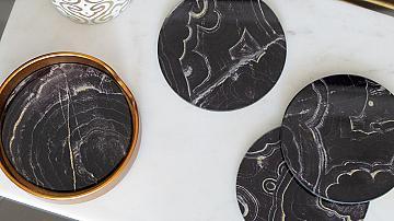 Кухнята и нейните различни лица: черно & мрамор
