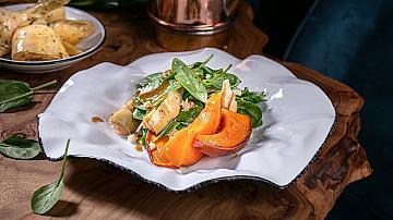 Обилна вечеря без последствия за фигурата: рецепта за салата с тиква