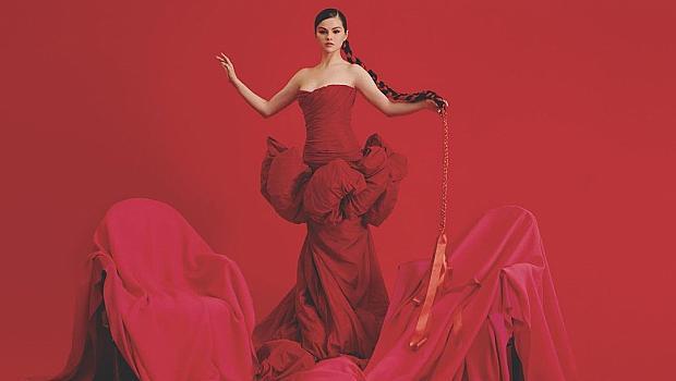 Богиня! Селена Гомес в рокля на Giambattista Valli