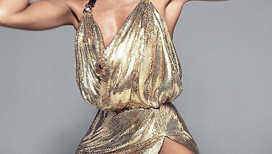 Наоми Кембъл, Кая Гербер и Джиджи и Хадид участваха в кампания на Versace