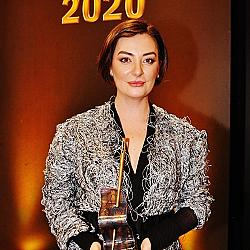 """""""Златна игла 2020"""" в категория """"Модна иновация"""" получи Теодора Спасова, дизайнер на """"Миноар"""""""