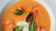 Гъста крем супа от тиква с розови скариди