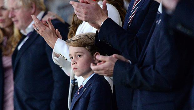 Най-тъжният принц в света: снимката на малкия Джордж разби социалните мрежи