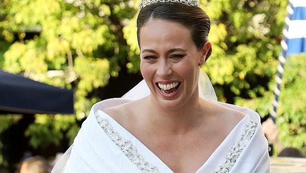 Блясък и лукс: рокля на Chanel и кралска тиара за булката на гръцкия принц