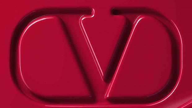 Valentino обяви пускането на собствена линия за грим