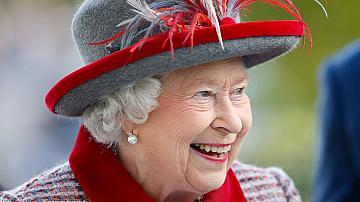 Шапките на Кралица Елизабет Втора