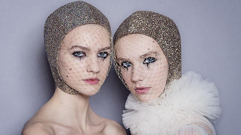 Какъв грим избра Питър Филипс за Haute Couture ревюто на DIOR?