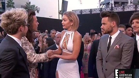 Вярна приятелка! Джиджи Хадид неглижира Хари Стайлс заради Тейлър Суифт