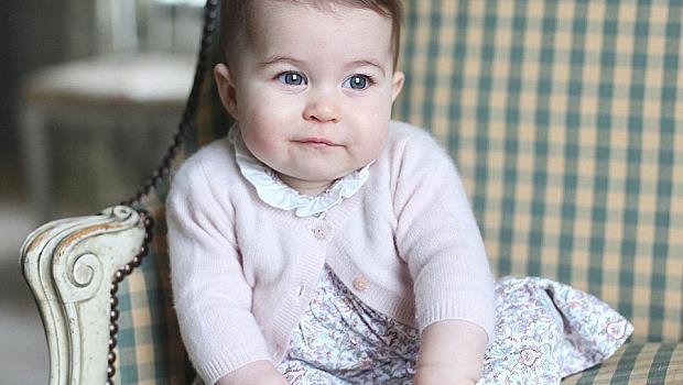 Катрин и Уилям показаха порасналата принцеса Шарлот