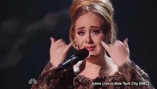 Кой разплака Адел по време на първия й концерт?