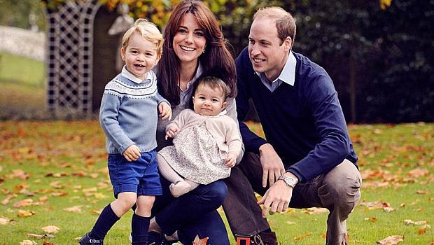 Ето я коледната снимка на Уилям, Катрин, Джордж и Шарлот