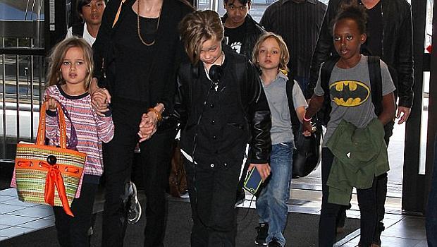Вижте къде изкараха празниците Брад, Анджелина и шестте им деца
