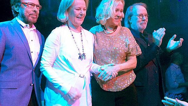 Легендарната група ABBA отново се събра
