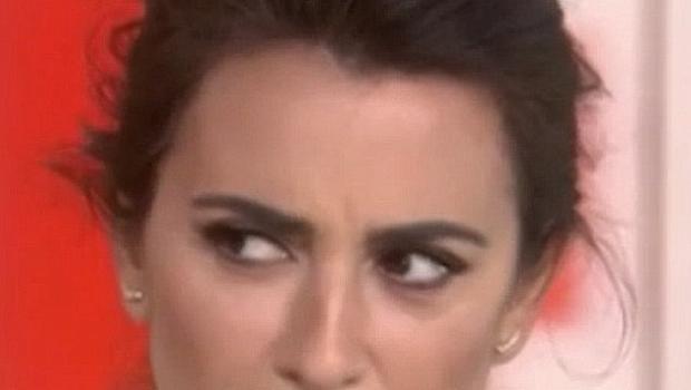 """ТВ водеща шокира Пенелопе Крус, попита я за """"грозните й крака"""""""