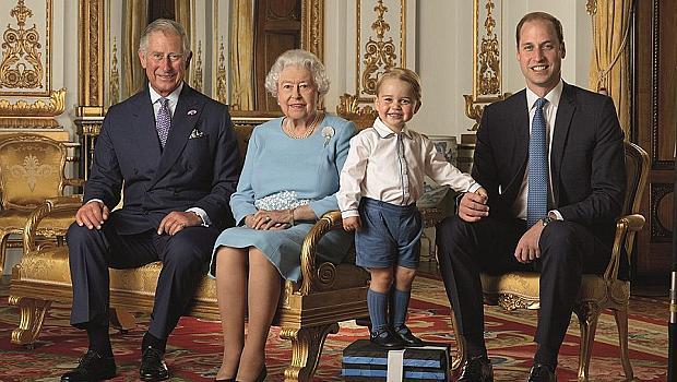 От Елизабет II до принц Джордж: Четири поколения отбелязват юбилея на Кралицата
