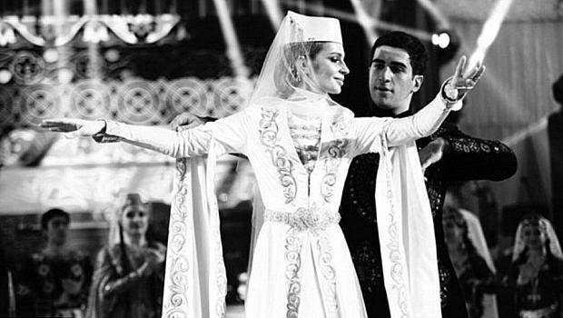 Поредната екстравагантна сватба. Ожени се син на арменски милирдер (снимки)