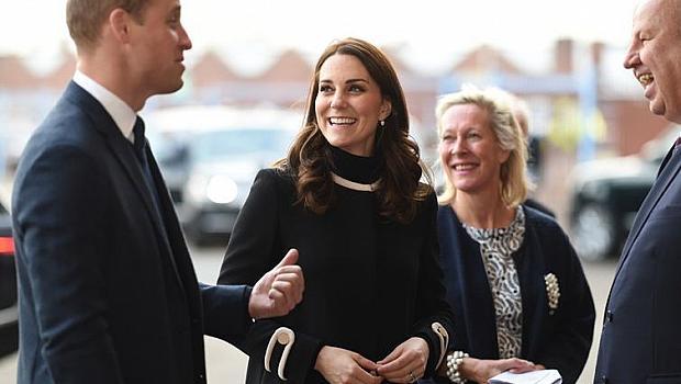 Бременната Кейт Мидълтън облечена в Zara