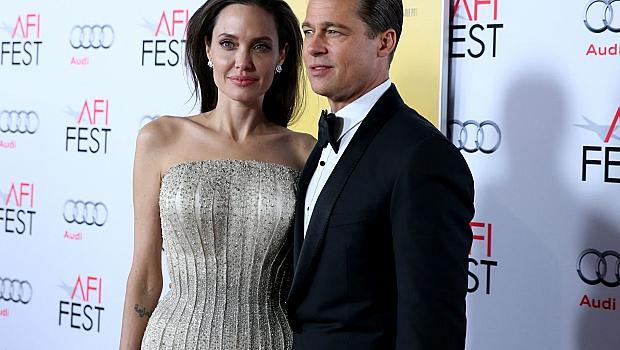 Анджелина Джоли и Брад Пит местят семейството си в Англия