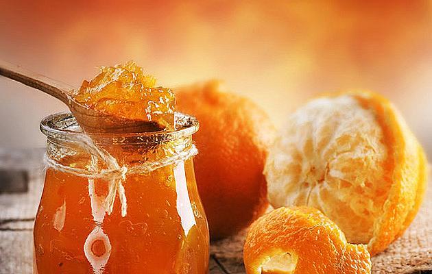 СЛАДКО ОТ ПОРТОКАЛИ / Портокаловият сок и цитрусовите храни се отнасят към охлаждащите храни, но портокаловото сладко (или мармалад, както го наричаме) затопля организма и го насища с витамин С.