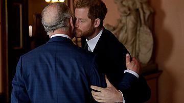 "Татко, съжалявам: принц Хари написа ""дълбоко лично писмо"" до принц Чарлз"