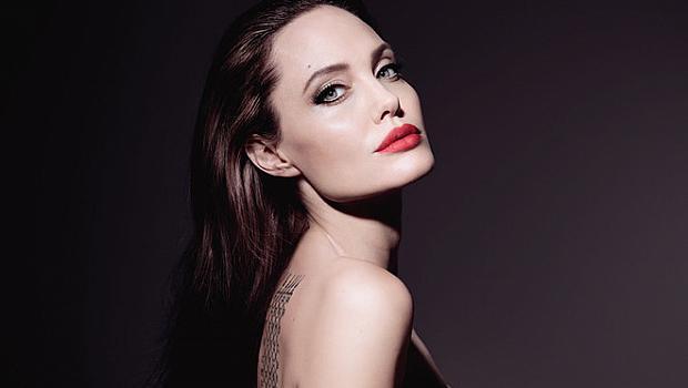 Анджелина Джоли в рекламната кампания на новия Mon Guerlain Florale