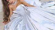 Вместо на GRAMMY, Ариана Гранде показа роклята си на Zac Posen ... вкъщи