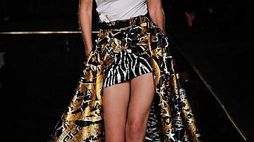 Топмоделите на Versace pre-fall 2019
