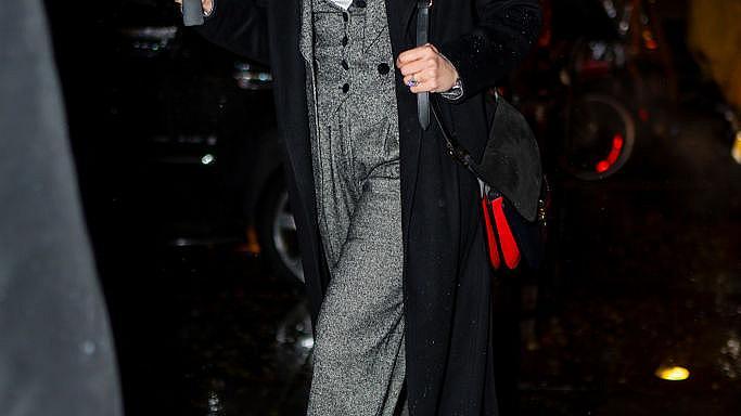 Джей Ло в костюм от три части