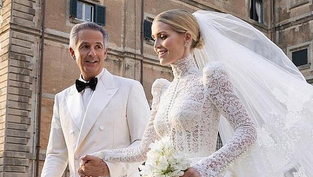 Неравен брак: защо Кити Спенсър се омъжи за мъж, по-възрастен от баща й