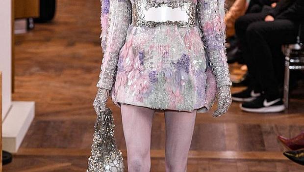 Всички 32 визии от Balmain Haute Couture пролет-лято 2019 г.