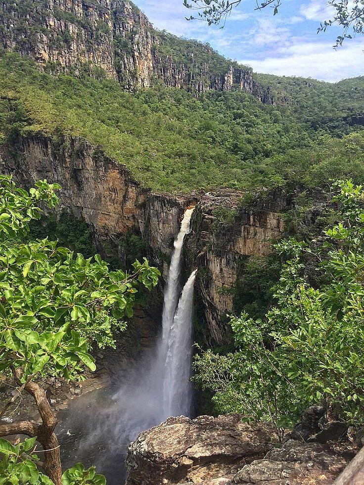 """НАЦИОНАЛЕН ПАРК CHAPADA DOS VEADEIROS /  Смята се, че той датира от преди 1.8 милиарда години и е известен със своята прекрасна флора, фауна и водопади. През 2001 г паркът е включен от """"НЕСКО в списъка на световното културно наследство. Дивата природа и растителността са истински феномен."""