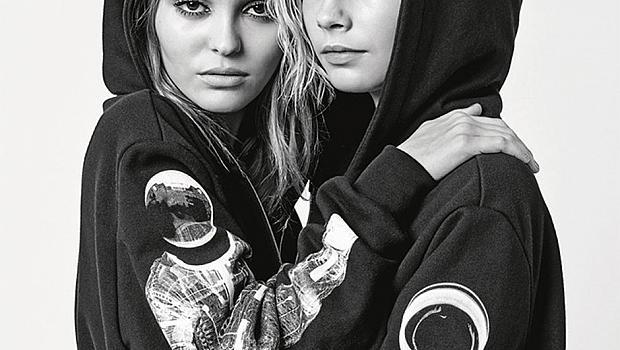 Лили Роуз Деп и Кара Делевин за Chanel есен-зима 2018