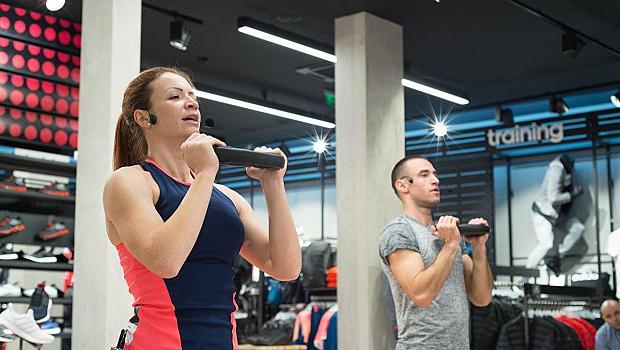 Магазин на adidas се превърна в ексклузивна спортна зала