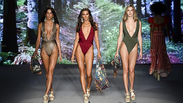 Мечтаем за лято: 77 бански костюма, само си изберете!