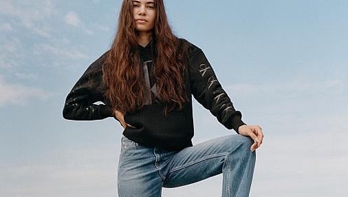 Новата колекция на Calvin Klein Jeans ни връща свободата