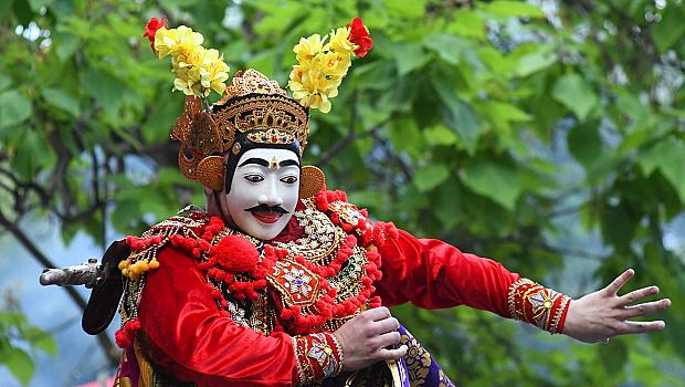 Азиатската култура представена от 13 държави в София