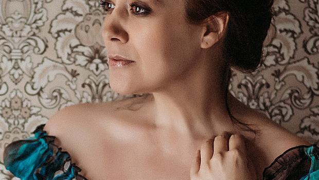 Beauty триковете на Биляна Петринска: грим с пръсти, козметика със зеленчуци...