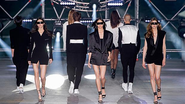 Дамите върху подиума на мъжките седмици на модата за пролет-лято 2020 г.