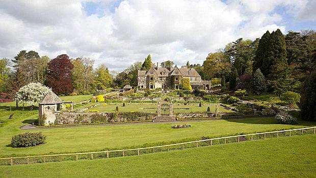 Семейство Бекъм купиха най-скъпата къща в Обединеното кралство
