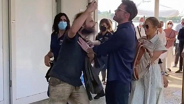 Агресивен фен нападна Дженифър Лопес, Бен я спаси