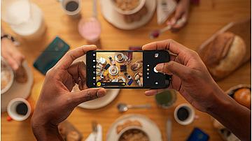 Защо moto G9 play е супер смартфон на достъпна цена?
