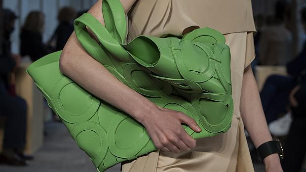 Дизайнерските макси чанти, които ще поберат всичко необходимо