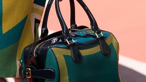 Държим изкъсо пролетните чанти