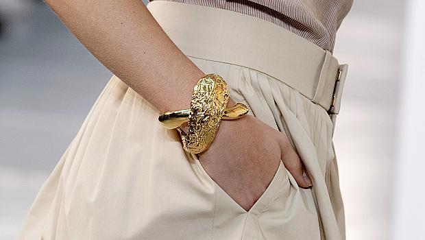Най-ефектните гривни от модния подиум за лято 2020