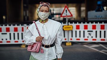 Маската като аксесоар: 40 ефектни визии от модните столици