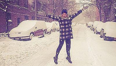 Звездите запечатаха в снимки снежната буря в САЩ